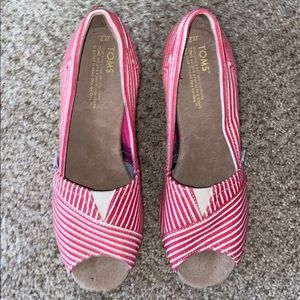 Toms Canvas Wedges Red White Stripes size 7